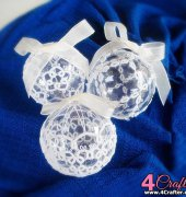 Christmas Baubles - Jennifer Williams