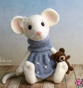 Little Mouse Milla - Kristel Droog - MyKrissieDolls - Translated from English to Spanish