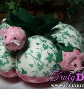 Strawberry Mice Pincushion tutorial - Lettie - Polka Dot Pineapple - free