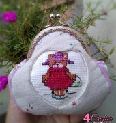 8.5cm Clasp Purse with bear girl cross stitch